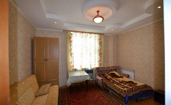 Комната в городе Волоколамск, в двухкомнатной коммунальной квартире.